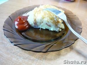 Запеканка с картофелем и тушенкой