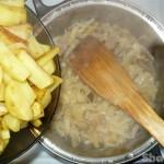 Свинина тушеная с капустой и стручковой фасолью