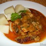 Свинина в соусе с грибами