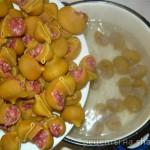 Фаршированные ракушки под сливочным соусом