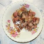 Закуска из салата с сельдью в блинчике
