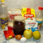Печеные пирожки с яблоком и брусникой