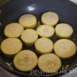Острая закуска с помидорами, кабачком и сливочным сыром