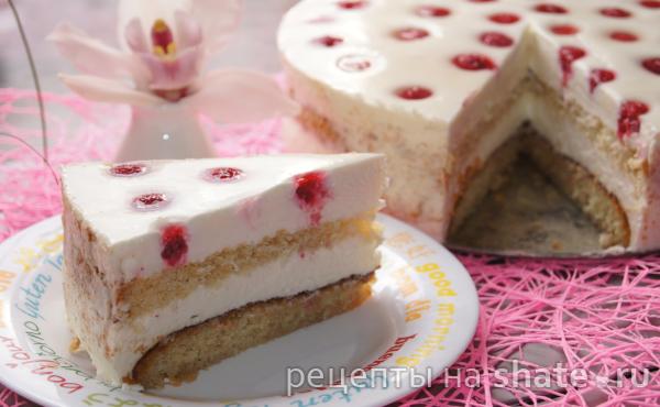 Бисквитный торт с кремом из сливочного сыра и белого шоколада